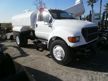2000 Gallon Water Truck Ford F6