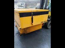 KM4000 2-Ton Asphalt Hot Box Re