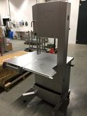 2014 Band saw with sliding tabl