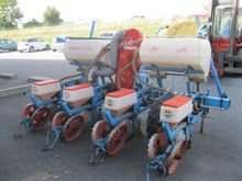 2001 Monosem Precision Seeder