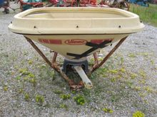 1995 Vicon Fertiliser spreader