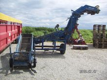 Asa-Lift onion loader with elev