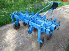 Super Prefer row crop cleaner m