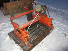 Amac soil roller cleaner
