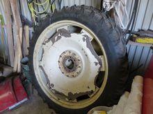 Row crop tires 9,5x44 bolt circ
