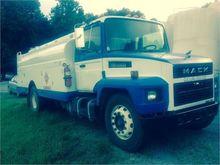 1998 MACK MIDLINER CS300
