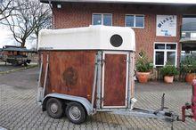 1991 Sluis 1 1/2 horse trailer
