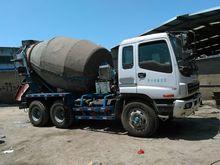 2012 ISUZU Isuzu  MIxer truck