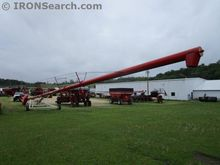 2011 Buhler Farm King Y1385TM