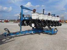 Used KINZE 3500 in M