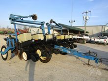 Used KINZE 2200 in M