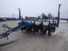 Used Kinze 6 Row 11 Planter For Sale Kinze Equipment More Machinio