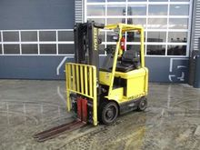Used 1999 HYSTER E2.
