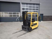 1999 HYSTER J2.00XMT