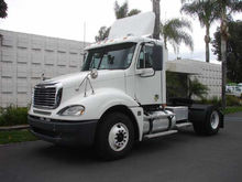2008 Freightliner CL12042S 2 AX