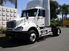2008 Freightliner CL12042T 2 AX