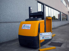 2004 JUNGHEINRICH EKS110 Z-100E