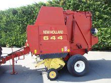 1998 New Holland 644 Round bale