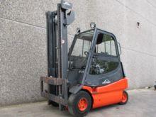 2006 LINDE E25-02