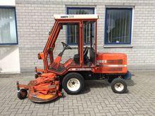 lawn mower tractor KUBOTA F2400