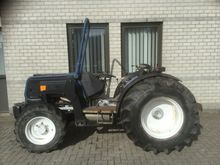 1997 straddle tractor RENAULT R