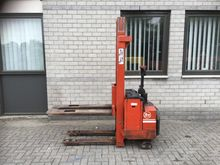 Forklift Stacker BT functioning