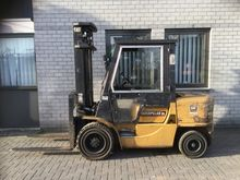 2002 Forklifts CATERPILLAR FD35
