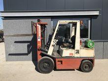 Forklift NISSAN FG25 triplo430