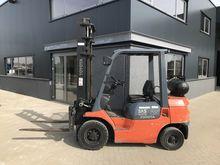 Forklift TOYOTA 7FG25 2.5 ton L