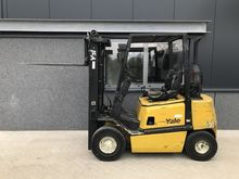 2004 forklift YALE GDP25 2.5 to
