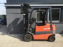 2000 Forklift TOYOTA FBMF25 tri