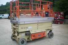 2007 JLG 3246ES