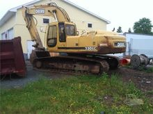 Used DEERE 230 LC in