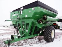 Used 2007 Parker 739
