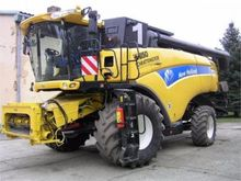 2013 New Holland CX8080