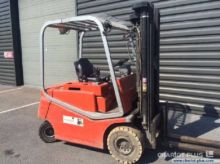 Used 2005 BT CBE 25