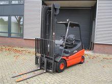 Used 2002 Linde E25-