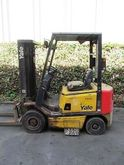 Used 2001 Yale GDP16