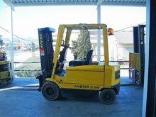 Used 1995 Hyster J2.
