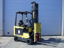 Used 2001 Hyster E2.
