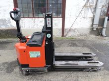 Used 2005 BT SWE 120