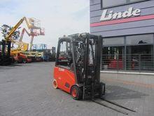 2010 Linde E18PH-01 Side shift