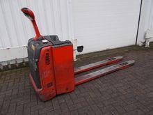 Used 2012 Linde T30-