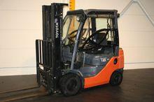 2012 Toyota 02-8FDF18 New