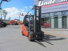 2010 Linde H30D-01 TRIPLEX Side