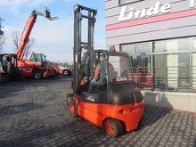 2010 Linde E25-03 Side shift