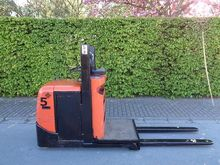 Used 2005 BT OSE 100