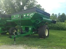 Brent 678 W/ TARP Grain Cart