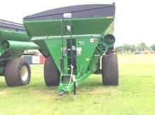 Brent 882 W/ TARP Grain Cart