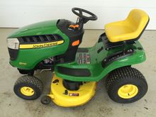 John Deere D110 Riding Mower